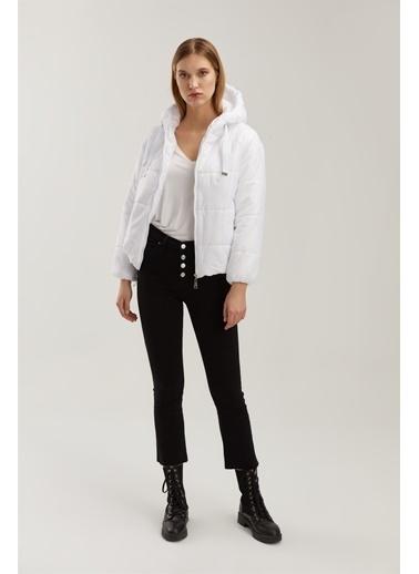 Z Giyim Kapşonlu Şişme Mont Beyaz
